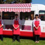 Notre Food truck repas complet: Galettes Bretonnes, saladerie, Glaces, fontaine de chocolat et crêpes.